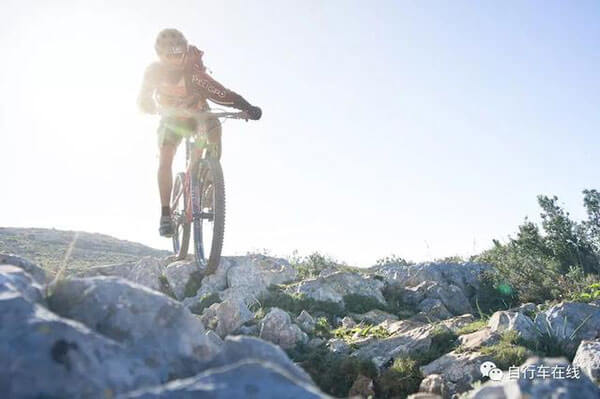 How to choose a bicycle with high daily riding comfort?