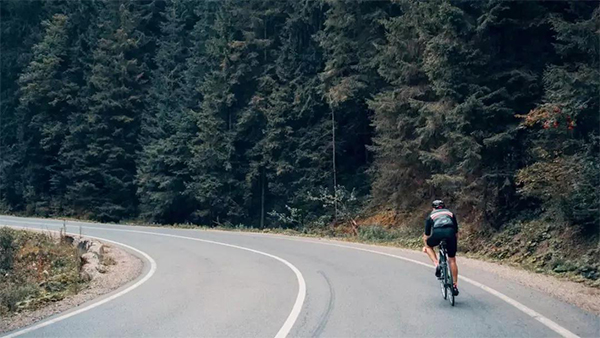 cycling travel of tips